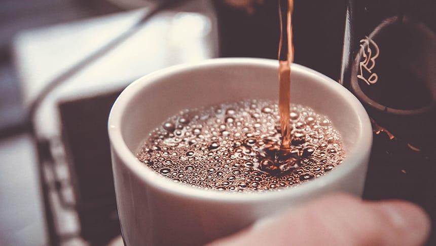 cafeteras espresso con bomba vs cafeteras espresso sin bomba diferencias